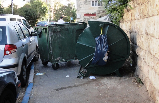 """picture sidewalk blocked"", ""image garbage dumpster"", ""photo Jerusalem street"""