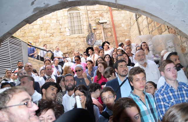 crowd birchas kohanim