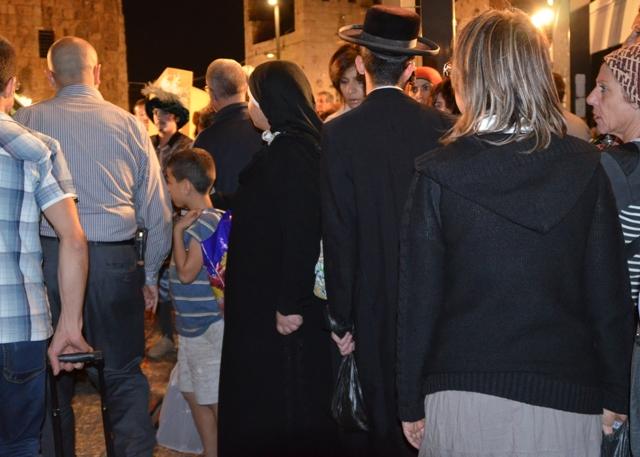 crowd at Jaffa Gate