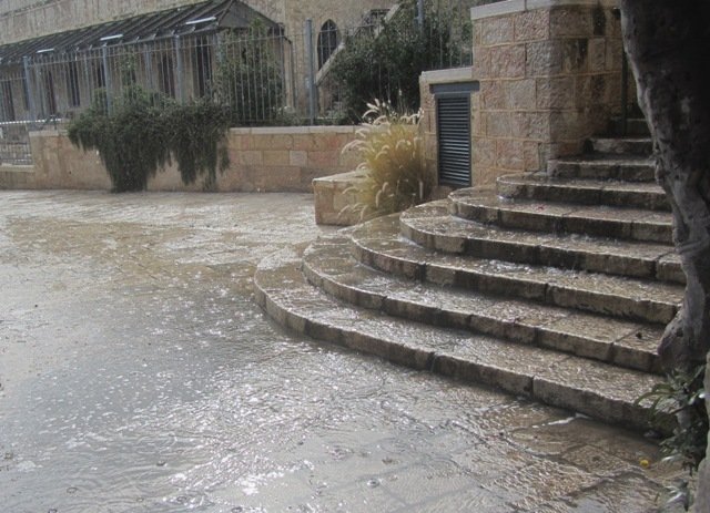steps flooded with water, Jerusalem photography tours