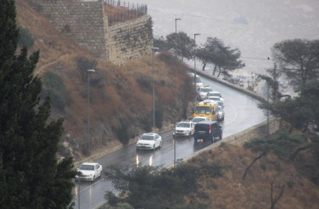 traffic in rain, J Streets, Jerusalem photo tours