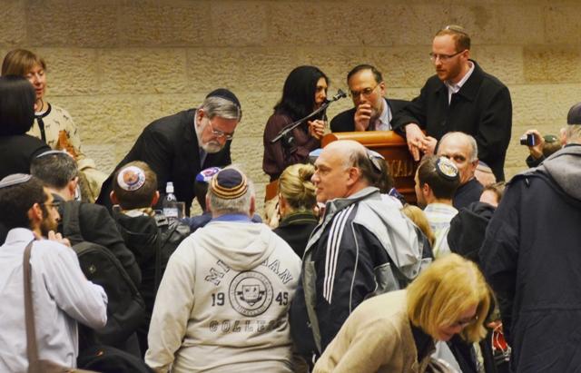 Chief rabbi Sacks at book fair