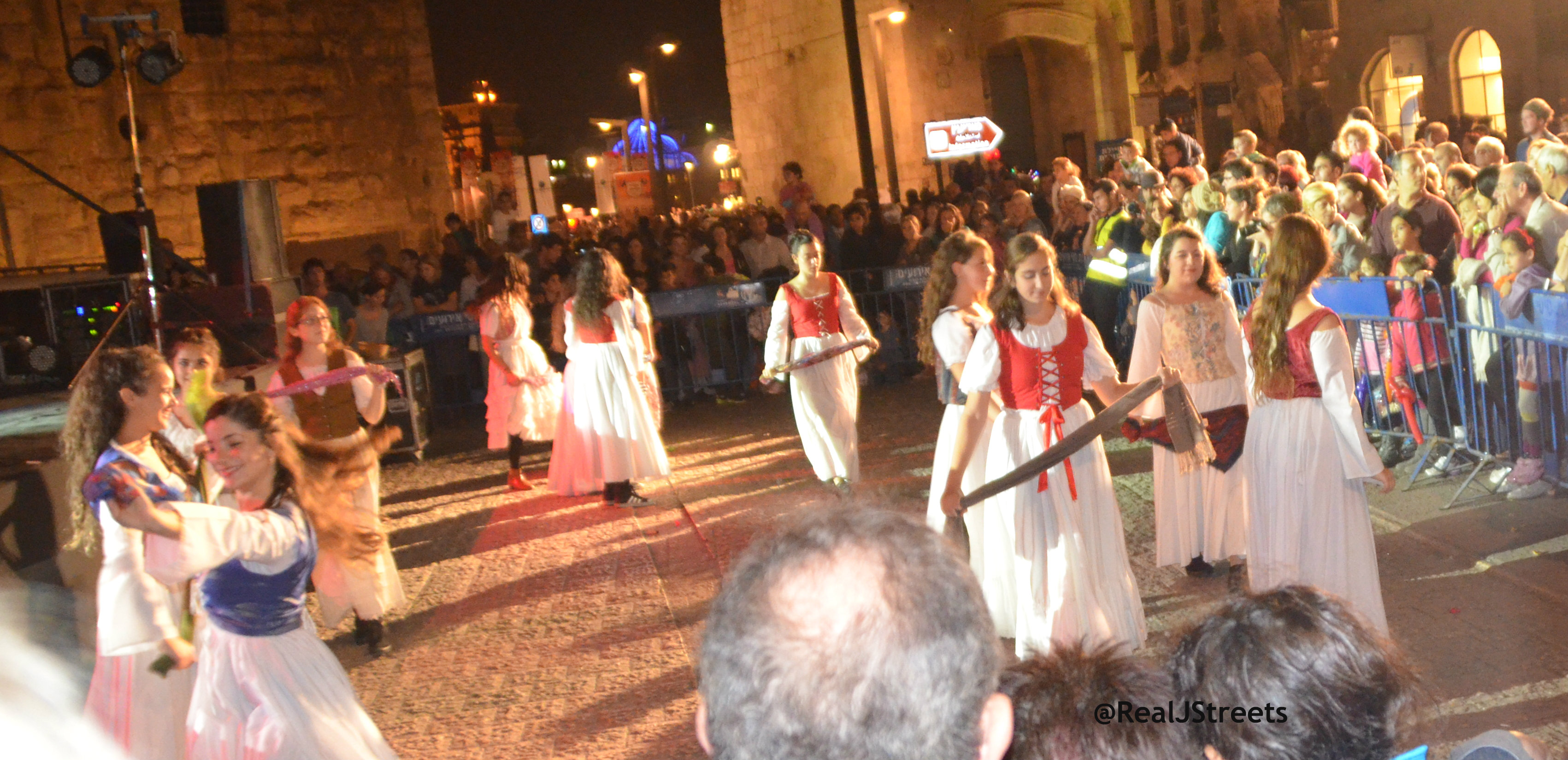 image dancing girls, Jerusalem knights festival