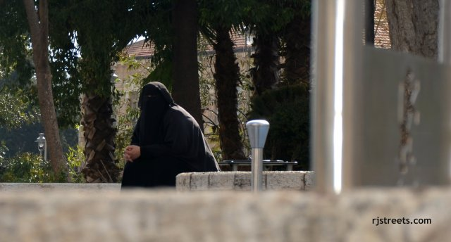 image burka, photo Palestinian abuse Israel, photo Muslim woman, picture Arab woman