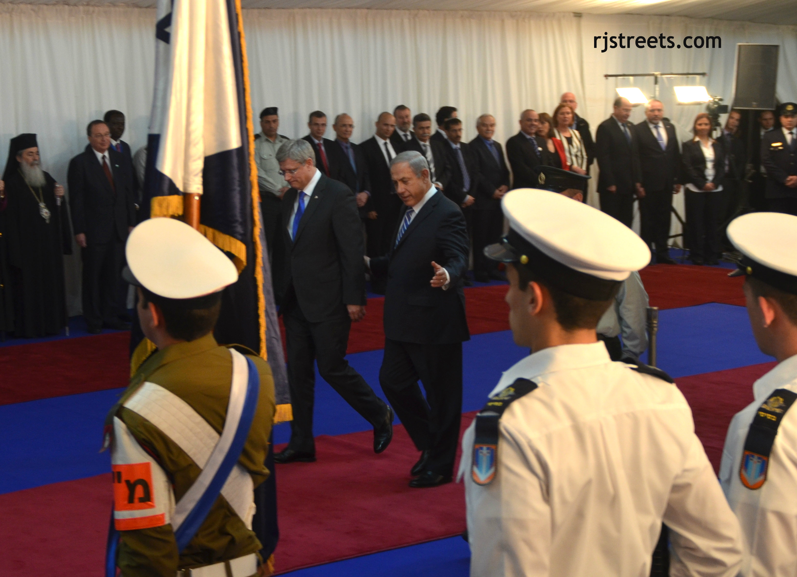 image red carpet welcome, photo red carpet for PM Harper, picture Bibi Netanyahu