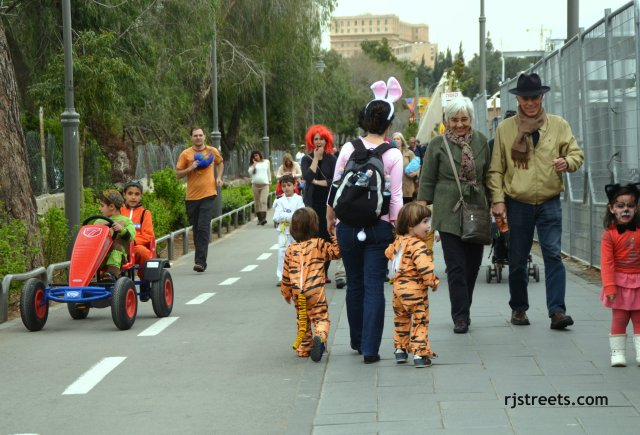 image Purim celebratons, photo chidlren in costume, picture Purim