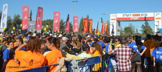 image Jerusalem marathon, photo starting line, picture crowd at starting line