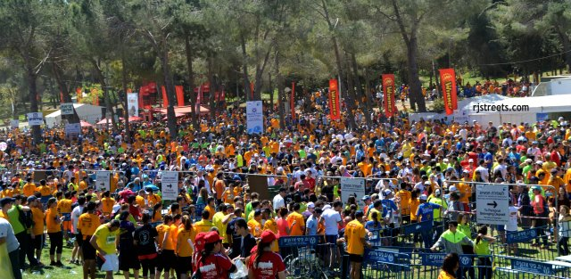 image crowd at Jerusalem marathon, picture crowded park , photo crowd