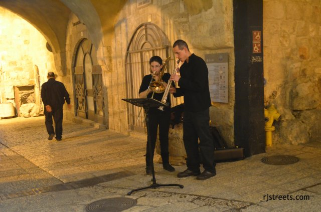 image musicians, photo Old City night, picture violin