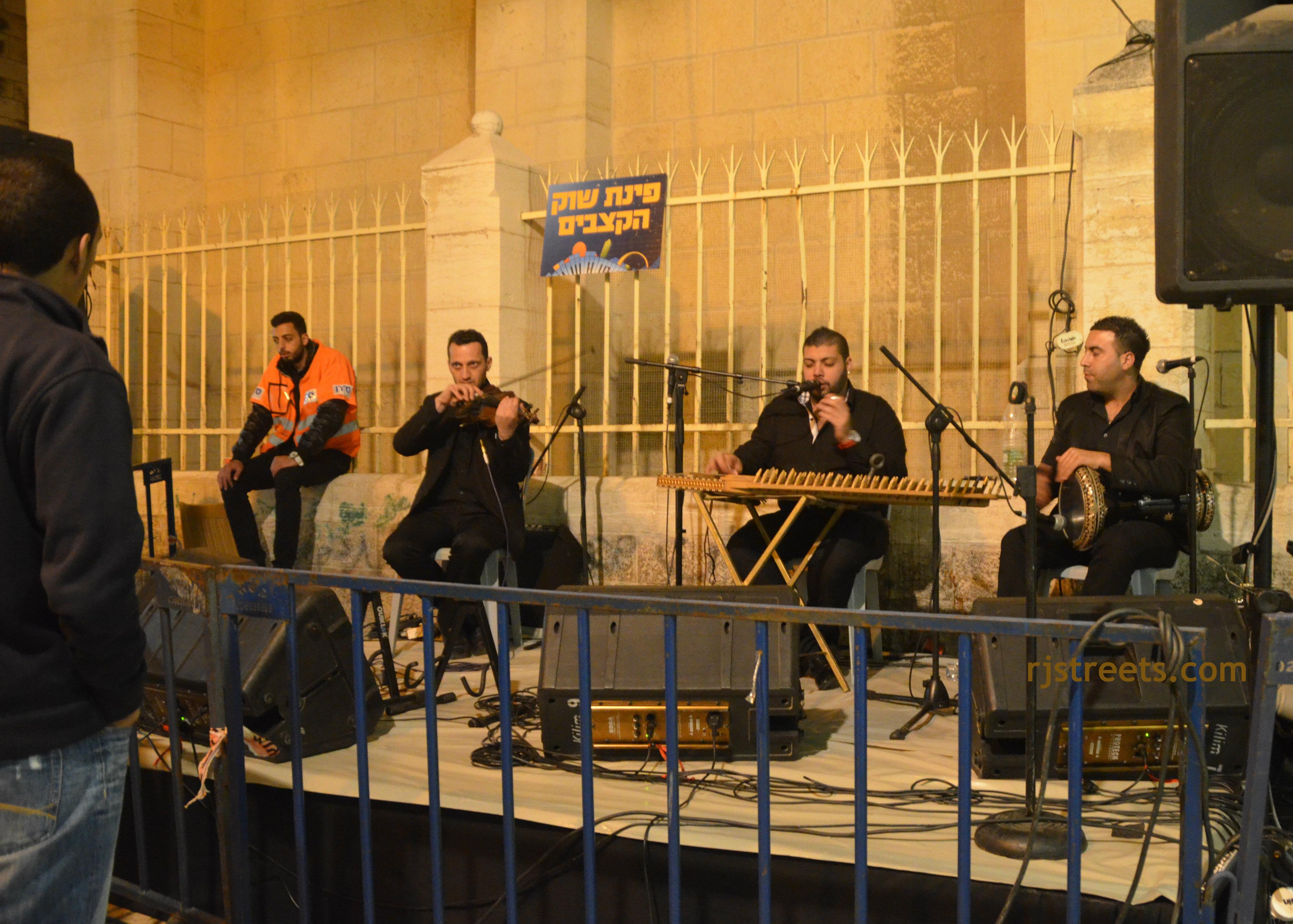 image Arab musicians