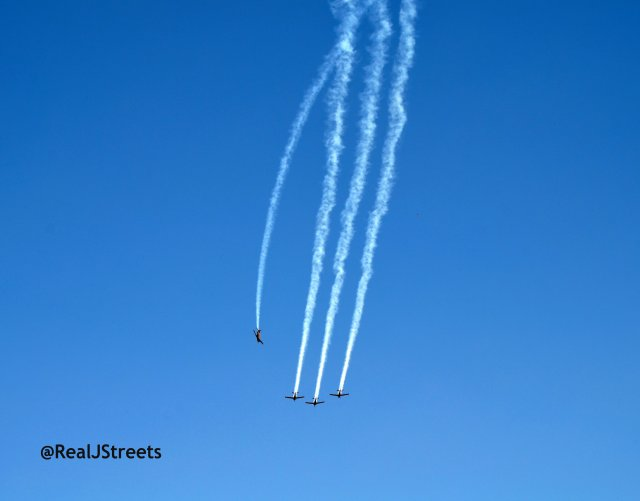 image air show, picture fly over, photo planes flying together