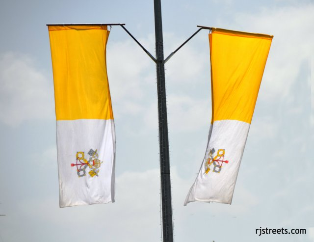 image Vaitican flags, photo Flags of Vatican