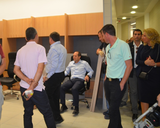 image Mayor Nir Barkat at new Arena