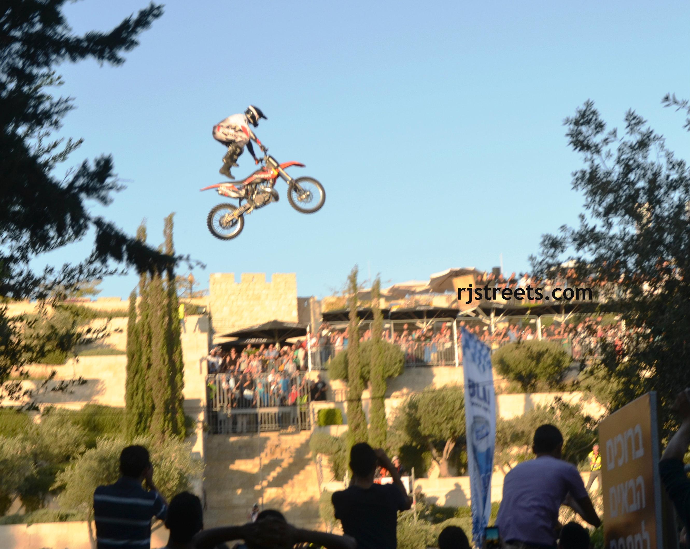 image stunt motorcycle