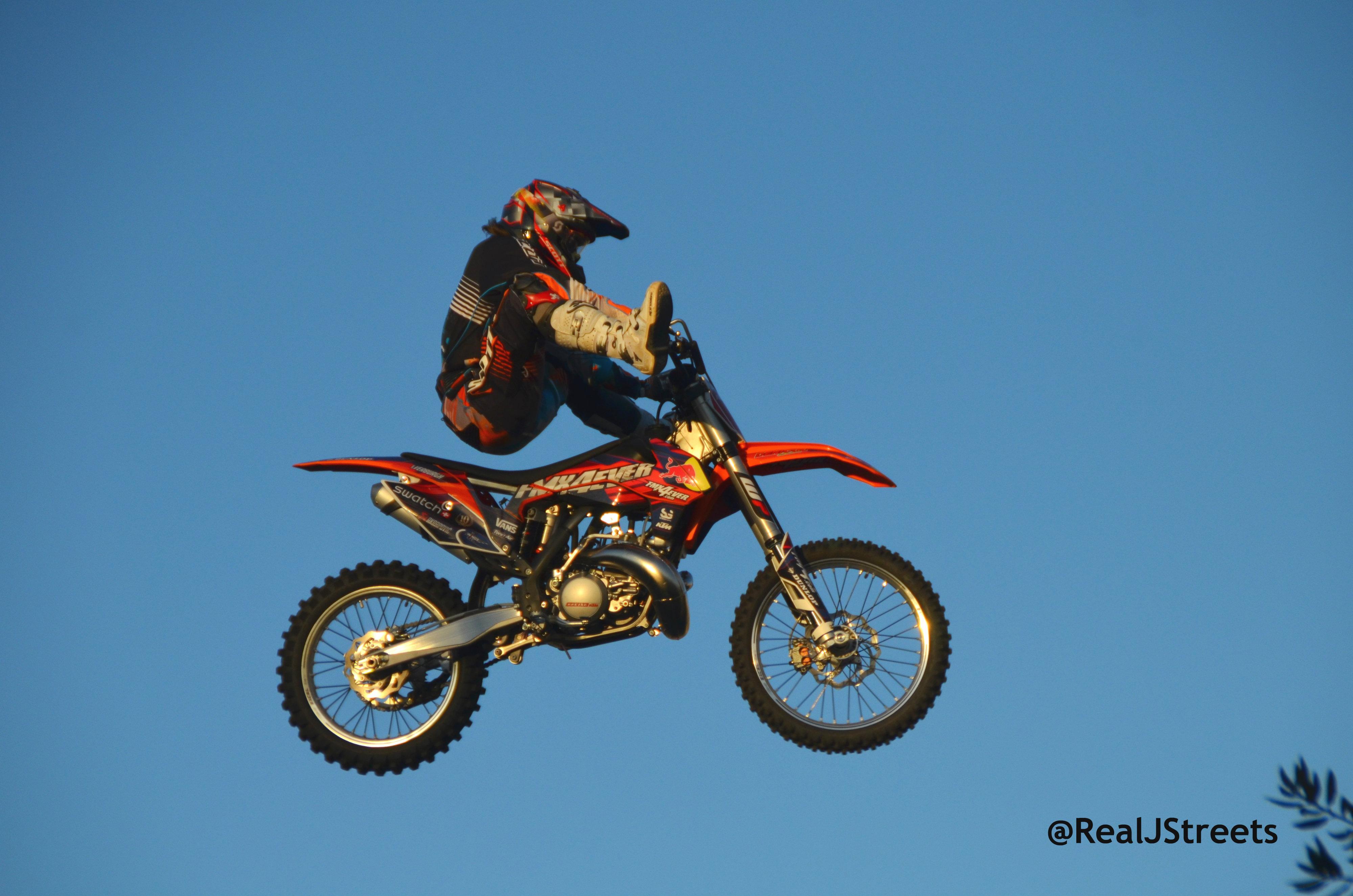 image motorcycle stunt