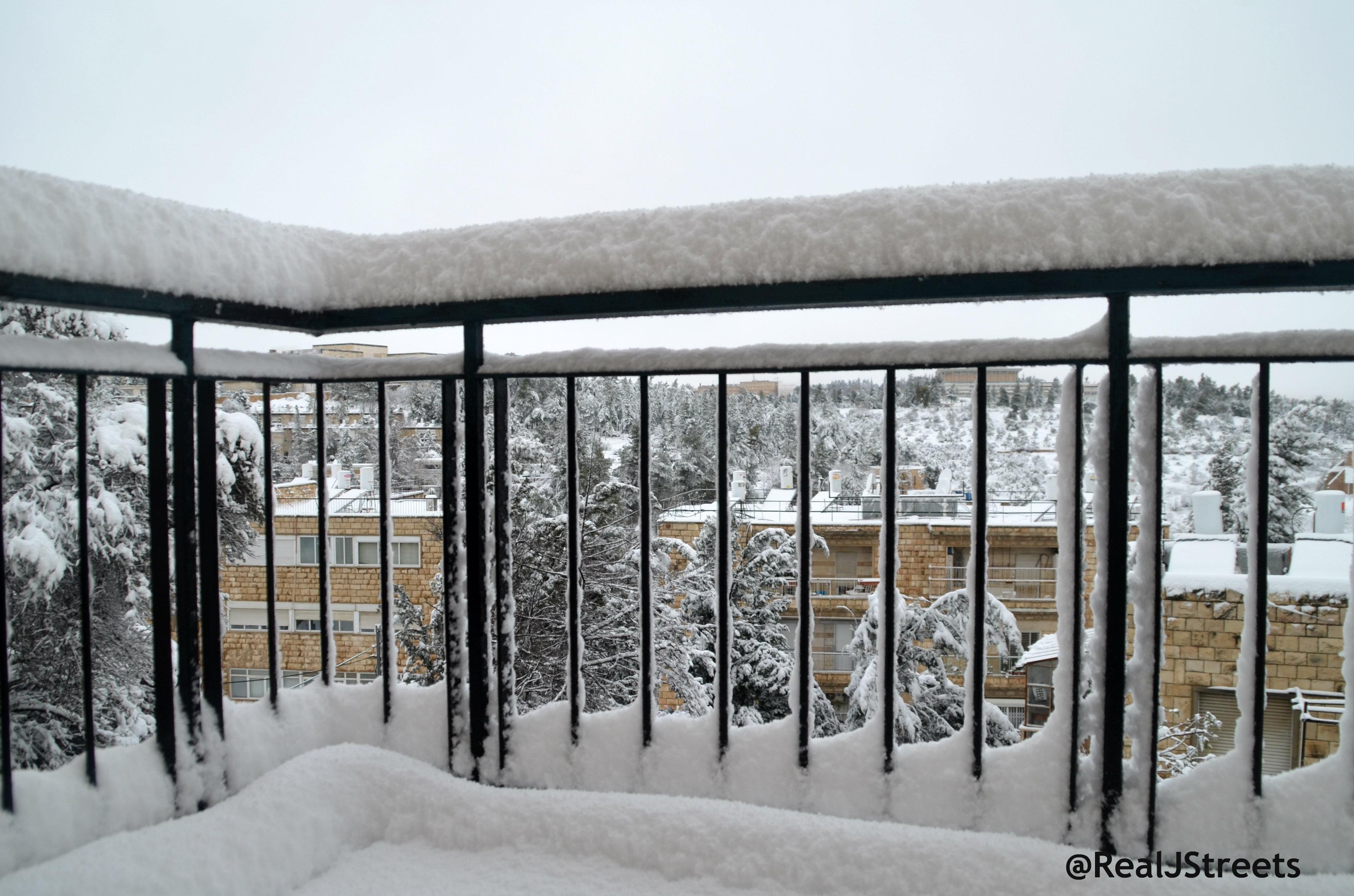 image snow storm Jerusalem