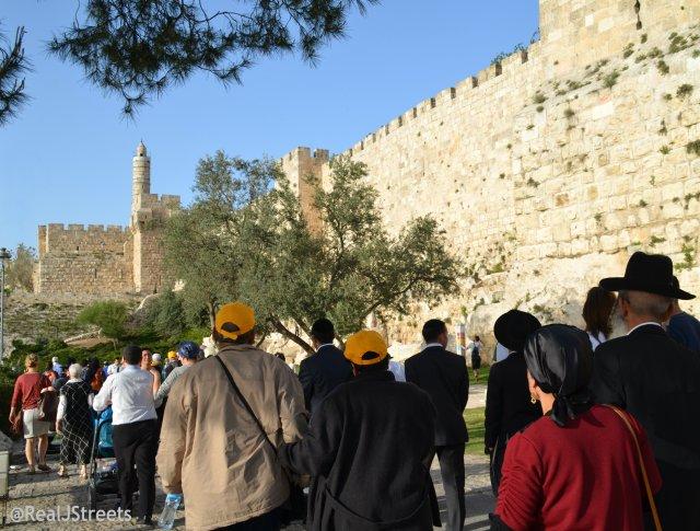 crowd Passover Jerusalem