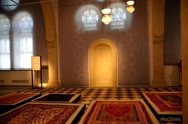 paryer rugs on display in Beer sheva mosque