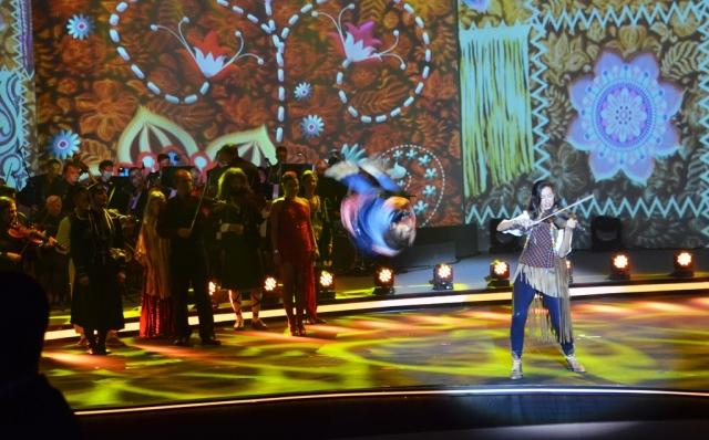 dancer at Genesis Prize ceremony