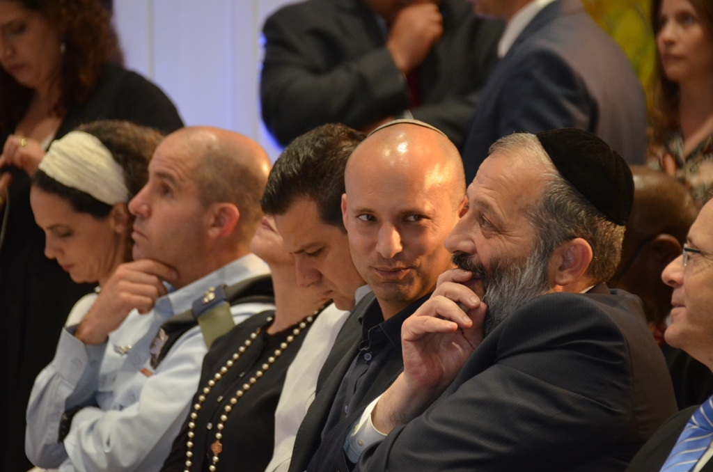 Aryeh Deri and Naftali Bennett at Beit Hansi