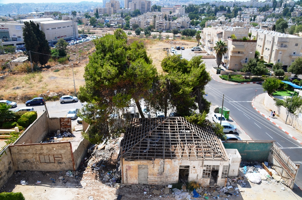 view from above of old and new Mekor Chaim